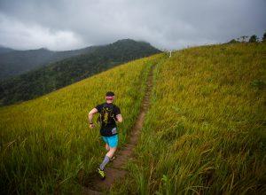 Subida técnica na Trail Run Series (Wladimir Togumi / Brasil Ride)