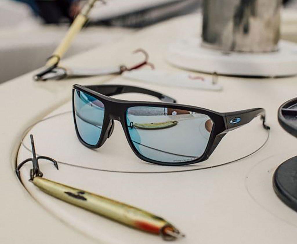 Oakley lança óculos de sol voltado à prática de esportes aquáticos